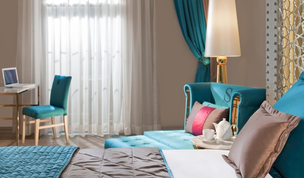 Deluxe Double or Twin Room with Balcony 2-min