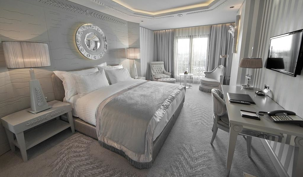 Deluxe Double or Twin Room with Sea View 3-min