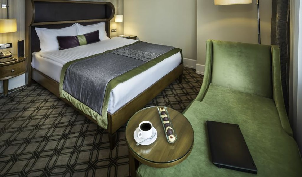 Deluxe Double or Twin Room with Sea View 4-min
