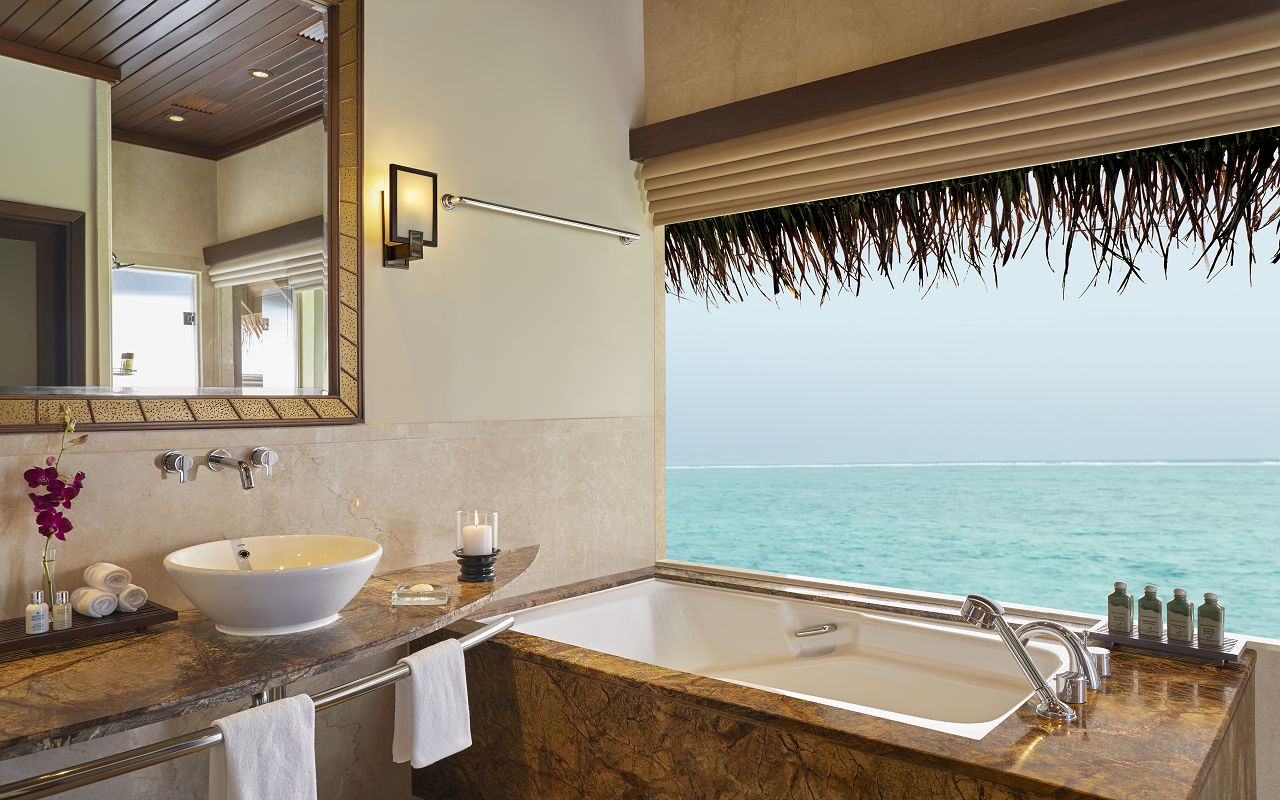 Deluxe Lagoon Villa with Pool_Bathroom