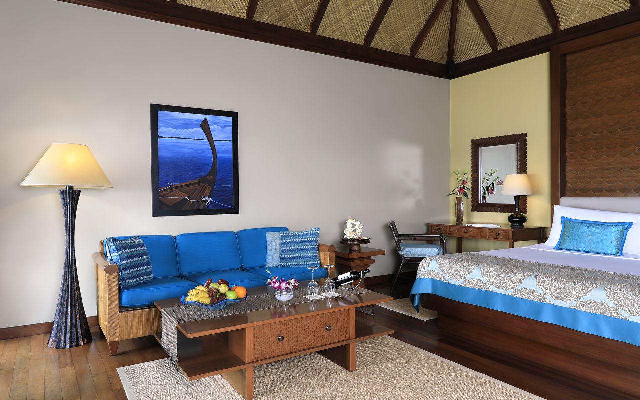 Deluxe Lagoon Villa with Pool_Bedroom