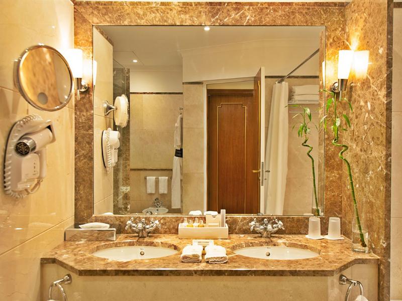 Deluxe Palácio Suites3