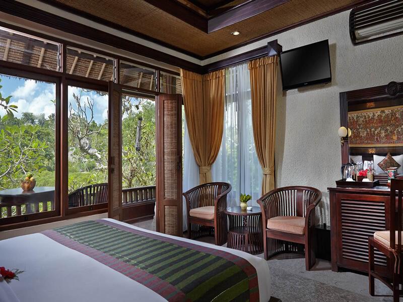Deluxe-Raja-Bedroom-with-view