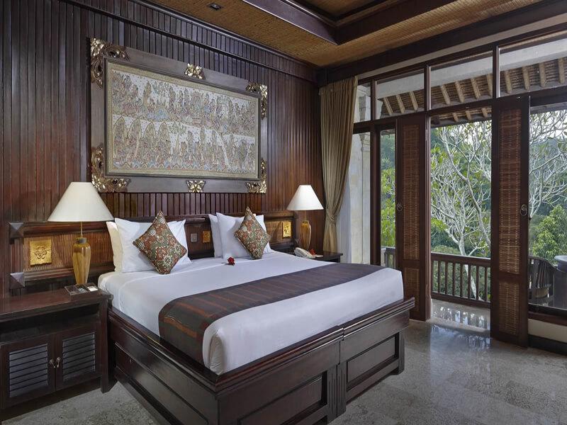 Deluxe-Raja-Bedroom