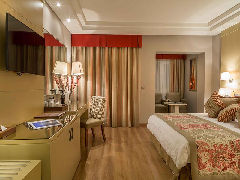 Deluxe Room (2)