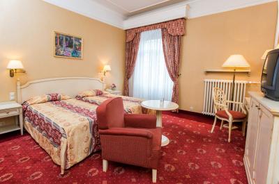 Deluxe Room5
