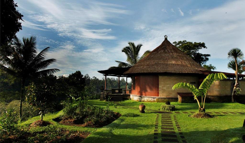 Deluxe Spa Villa with Free Yoga Class-min