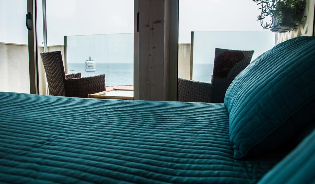 Deluxe Suite with Sea View9-min