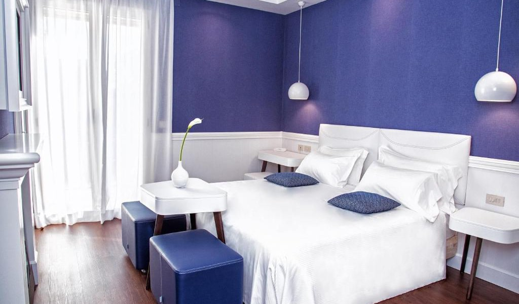 Deluxe-Triple-Room-with-Balcony-3-min