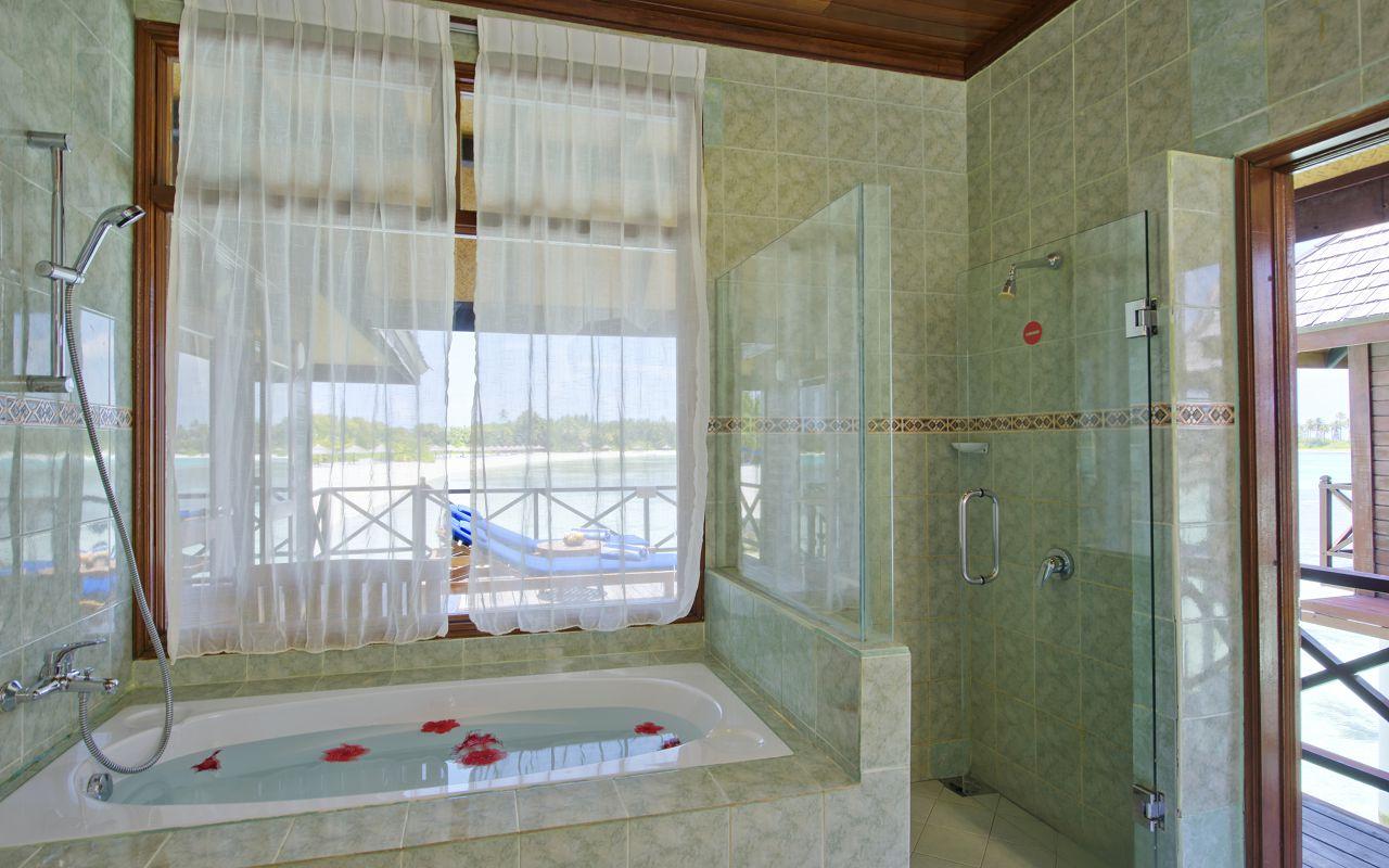 Deluxe Water Villa (3)