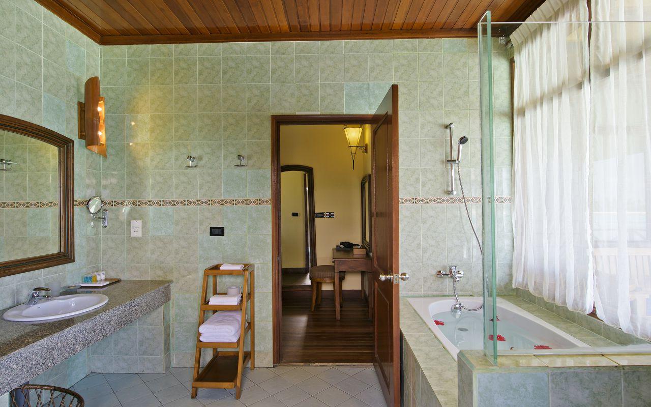 Deluxe Water Villa (4)