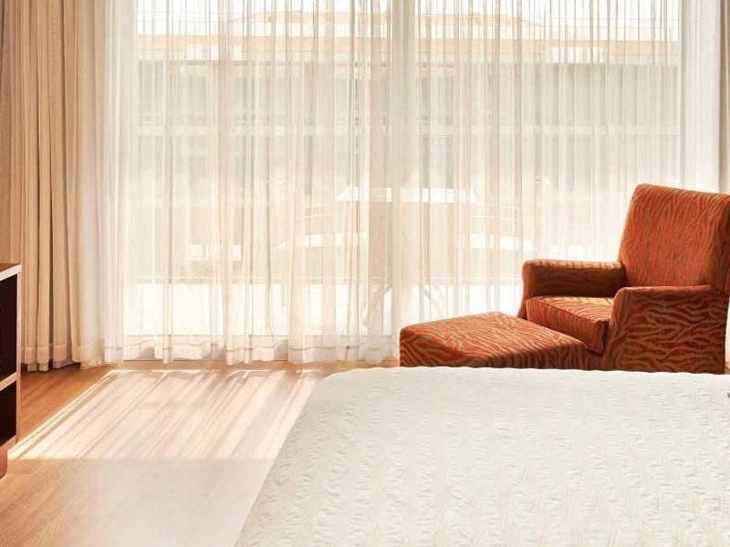 Deluxe-room-with-terrace-in-Tarragona