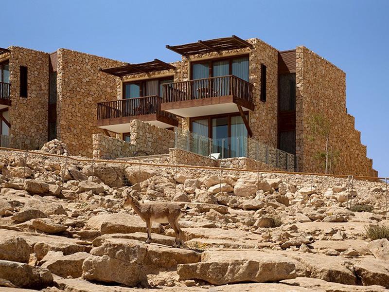 Desert Views Room wBalcony2