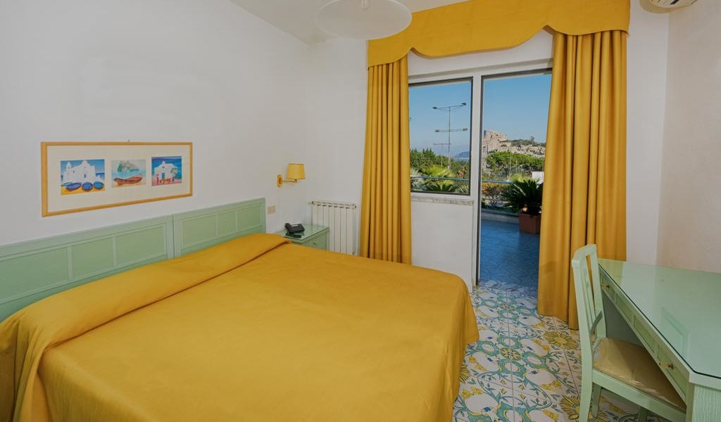 Double Room with Sea View 2-min