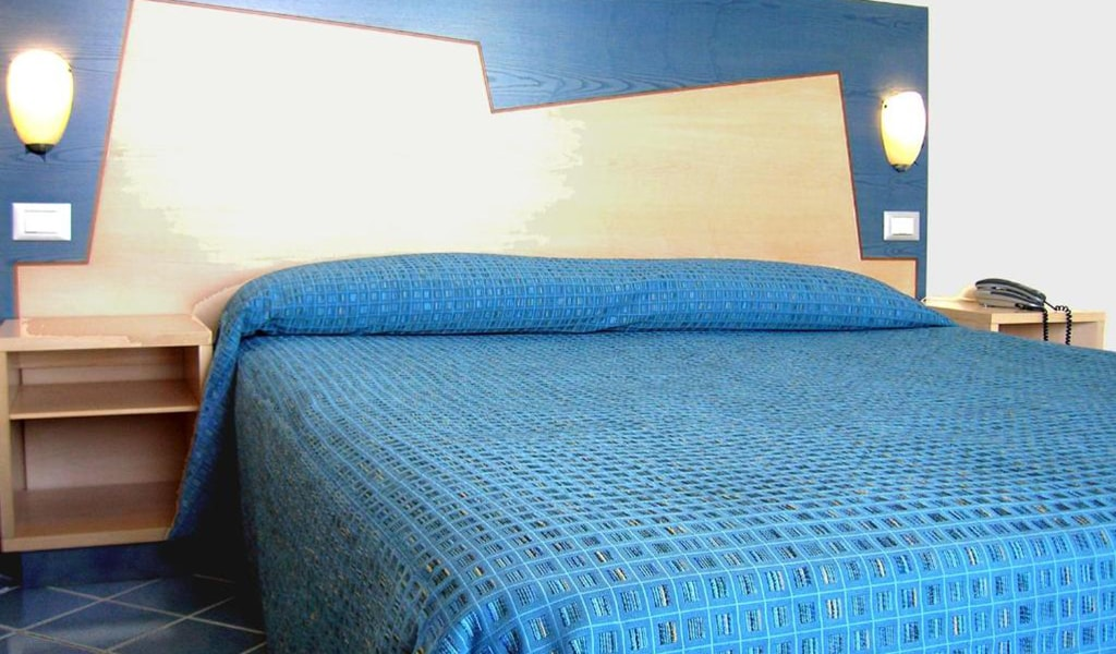 Double-Room-with-Sea-View-3-min