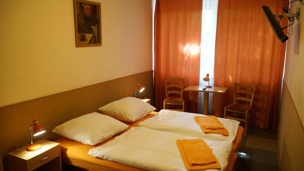 Double or Twin Room-pension-fox (1)