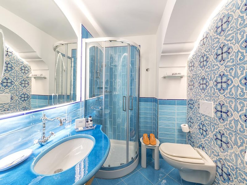 Double or Twin Room with Partial Sea View7-min