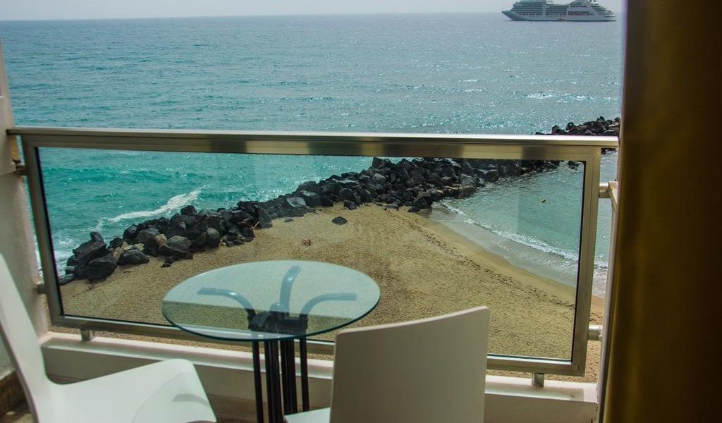 Double or Twin Room with Sea View3-min