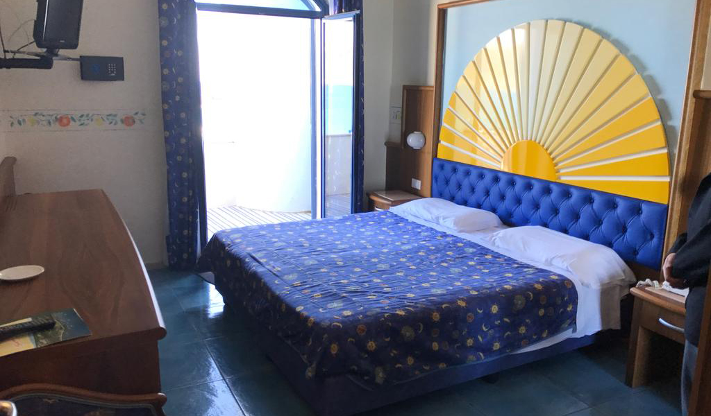 Double or Twin Room with Sea View3