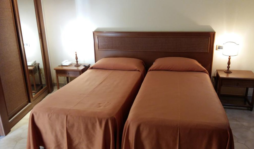 Double or Twin Room2-min