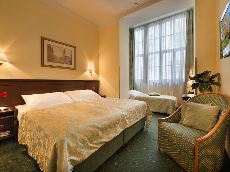 Double room with extra bed2