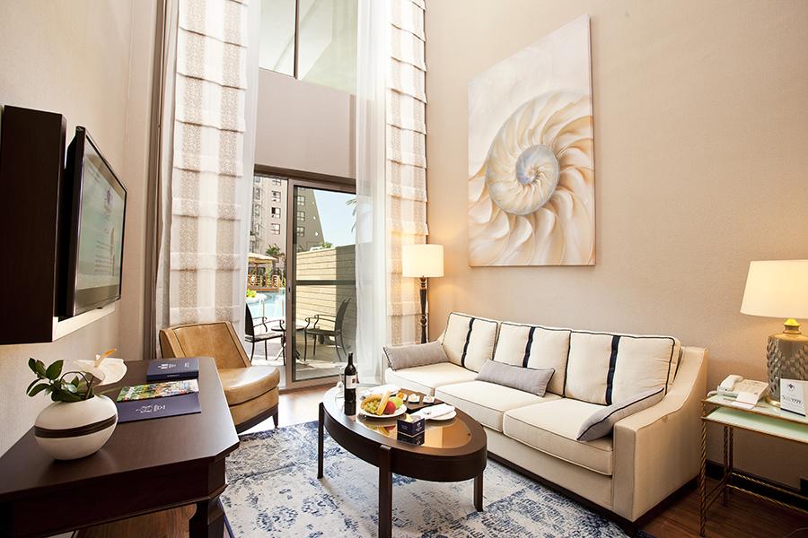 Dublex Swim Up Suite_ Living Room