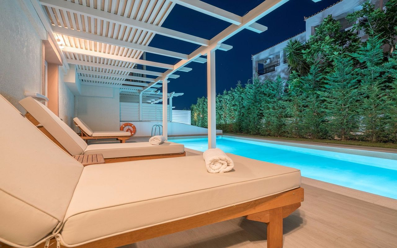 EXCLUSIVE_PRIVATE_POOL_ROOM_2_result