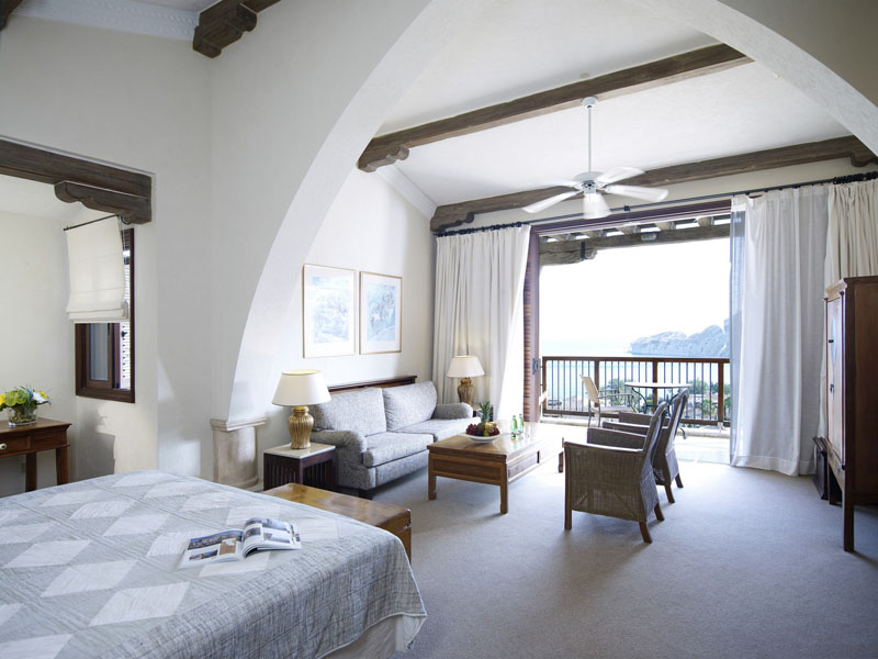 Eagles Nest Executive Suite with Private Plunge Pool (2)
