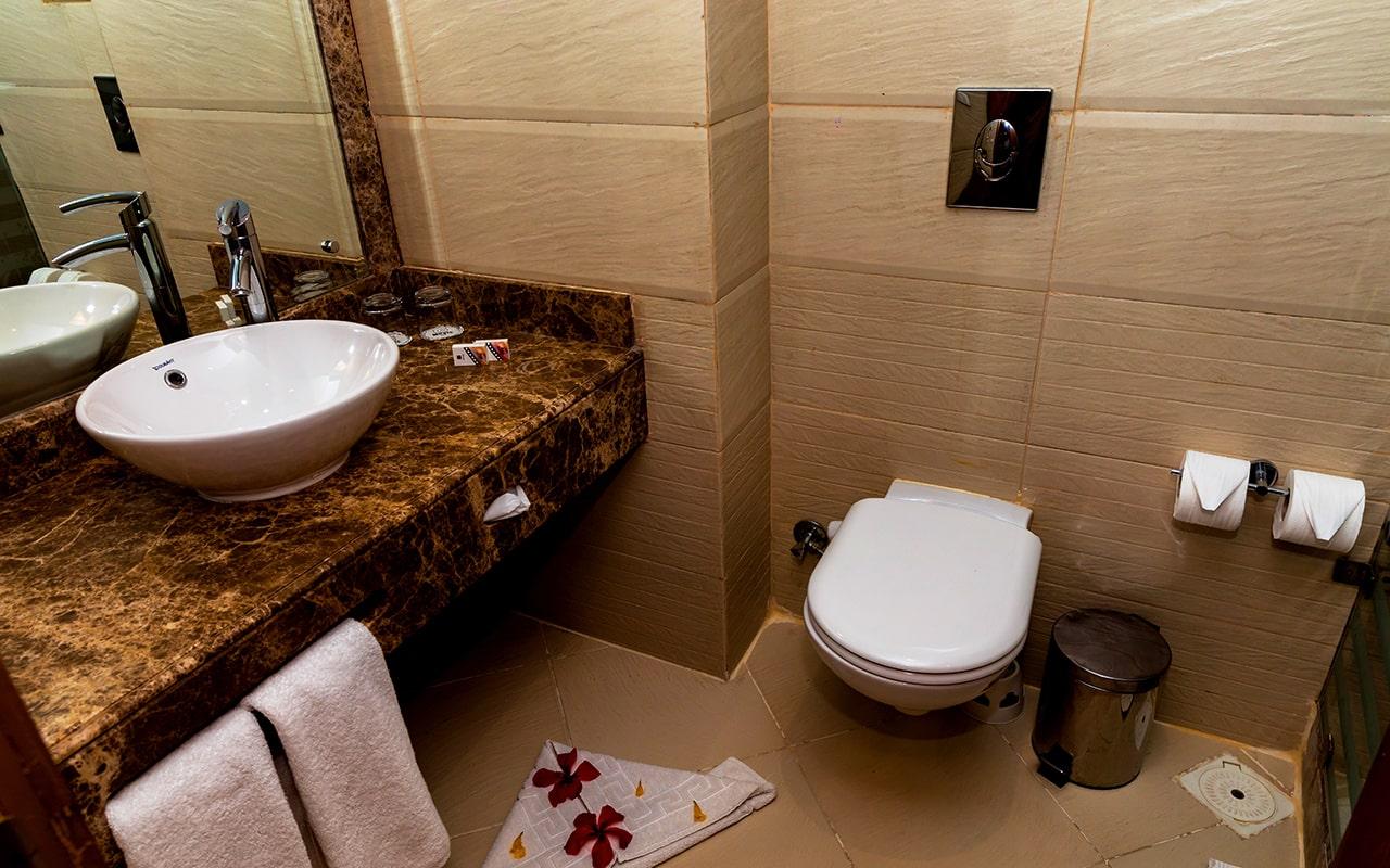 Economy (Bathroom)-min