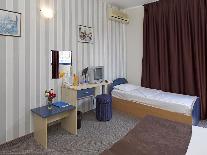 Economy Room 3