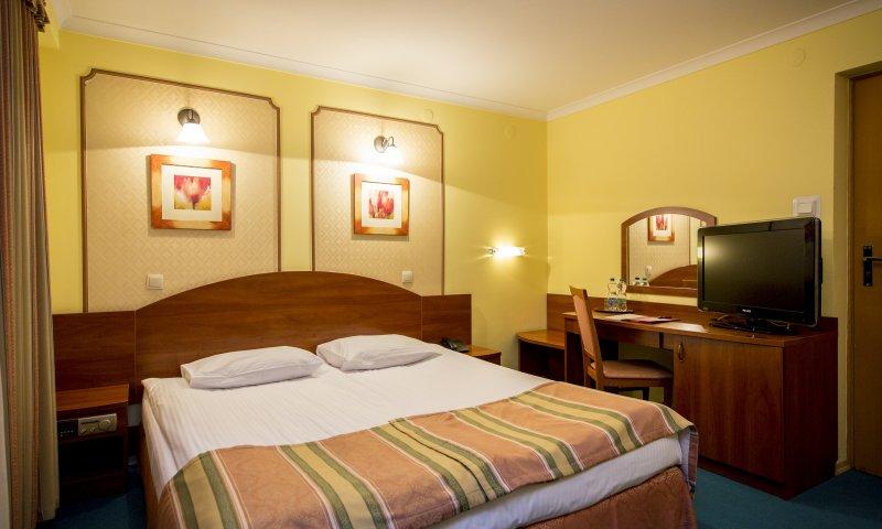 Economy double room2