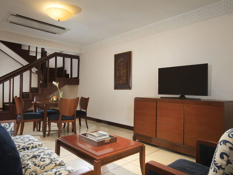 Embassy Suite I2