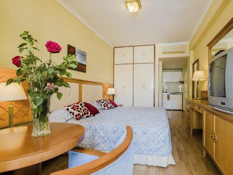 Estella Hotel Apts (18)