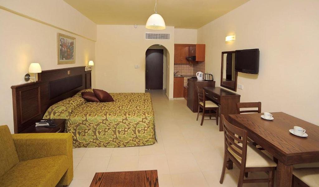 Euronapa Hotel and Apartments (12)
