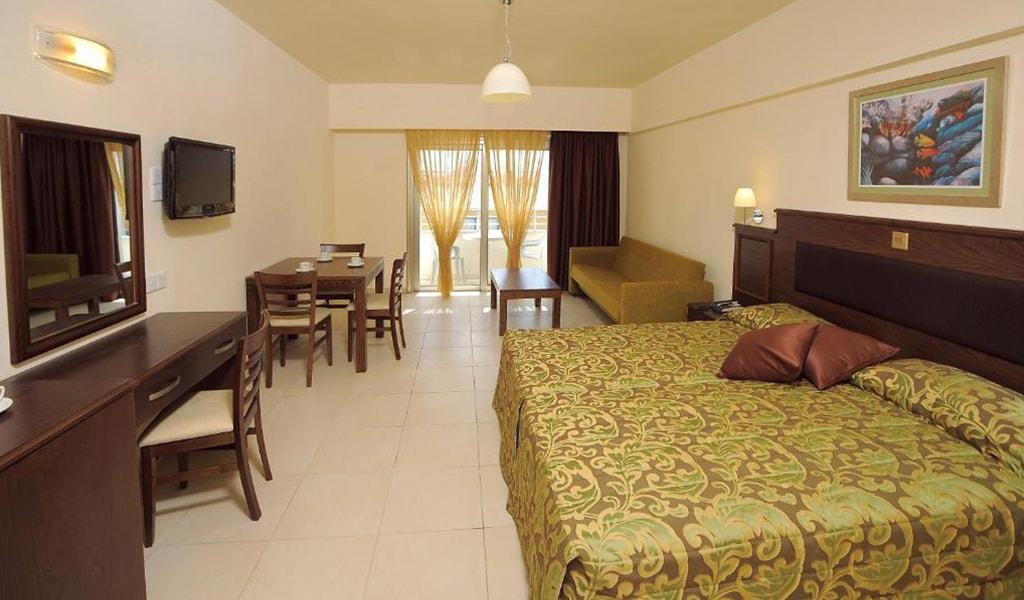 Euronapa Hotel and Apartments (13)