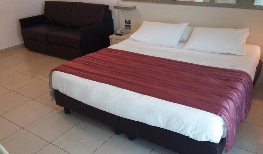 Executive-Double-Room-with-Sofa-Bed-2-min