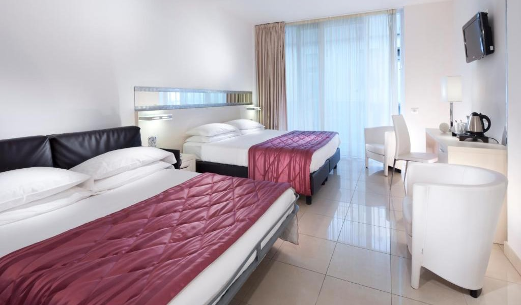 Executive-Double-Room-with-Sofa-Bed-min