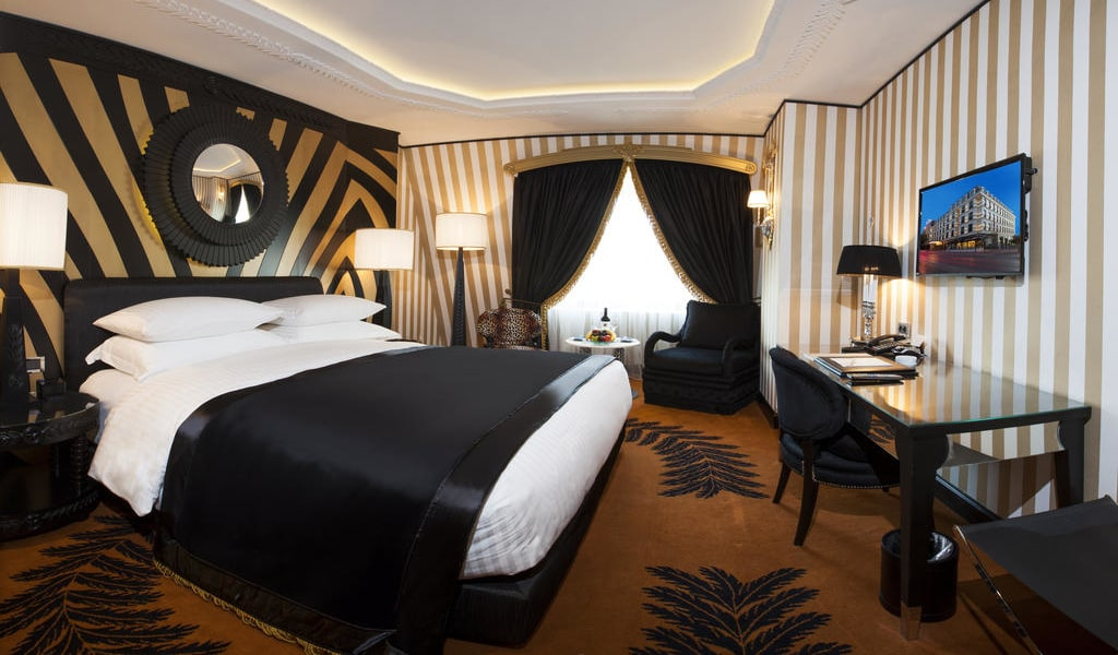 Executive Double or Twin Room with City View 2-min