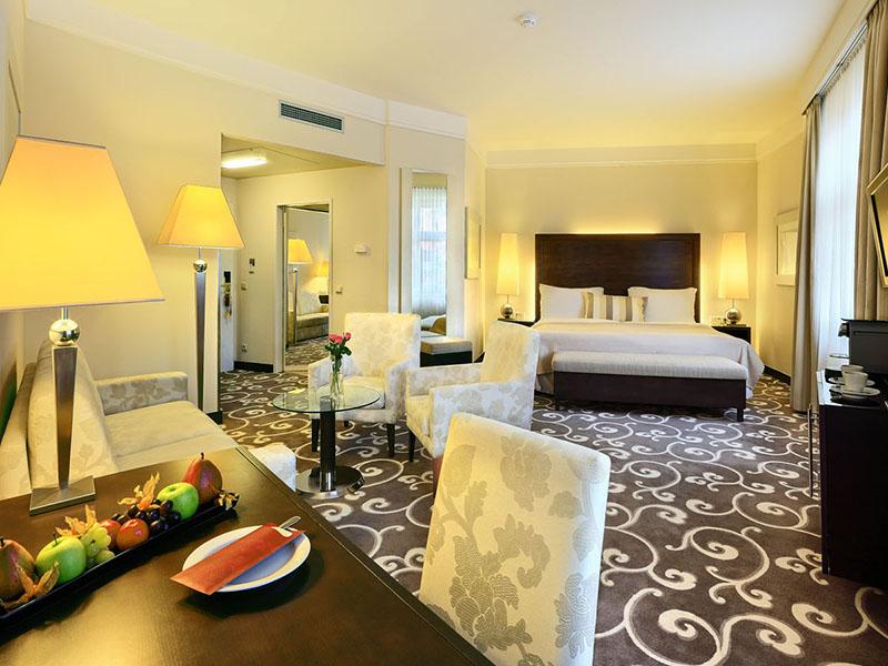 Executive Room2