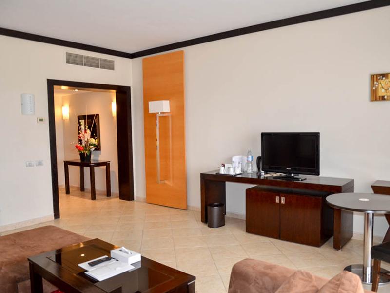 Executive Suite (4)