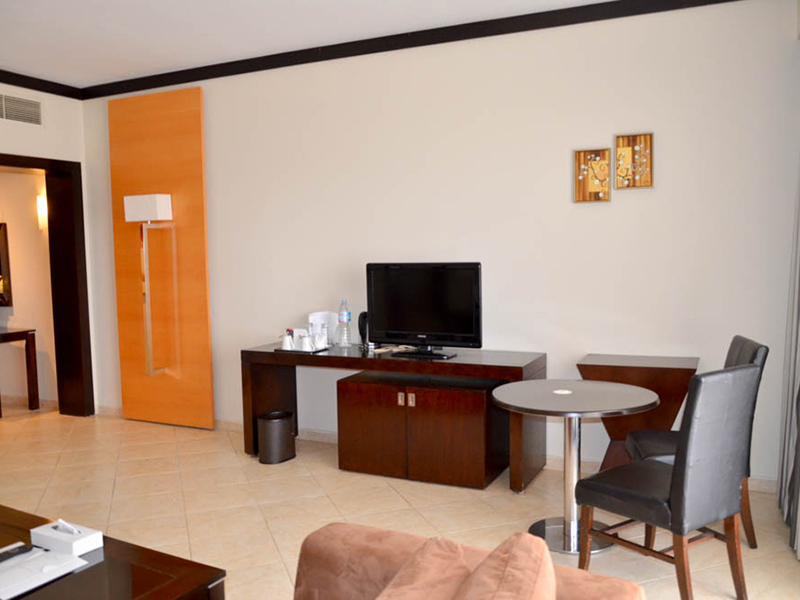 Executive Suite (5)