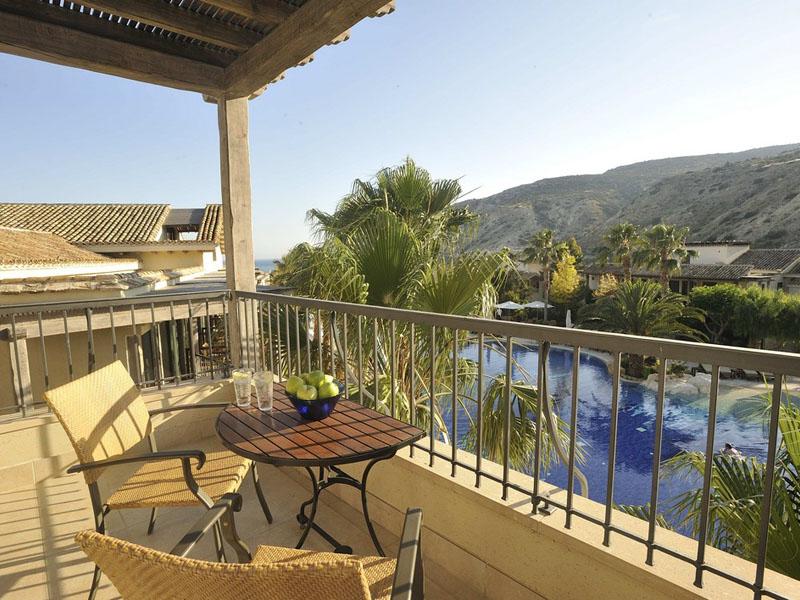 Executive Suite Pool View Balcony (2)