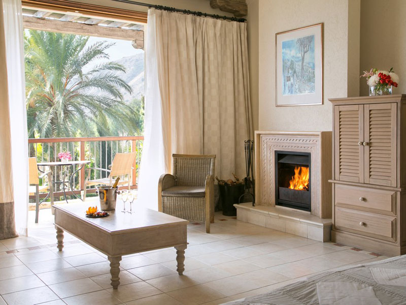 Executive Suite Sea View with fireplace (2)