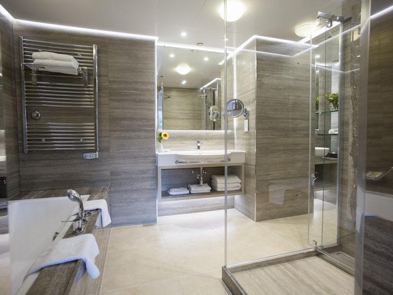Executive Suite Side Sea View - East - bathroom