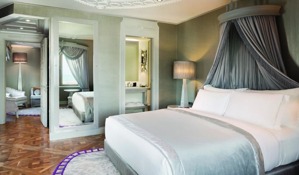 Executive Suite with Sea View 1-min