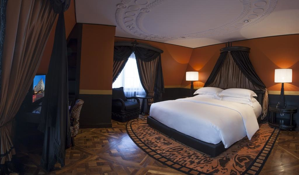 Executive Suite with Sea View 2-min