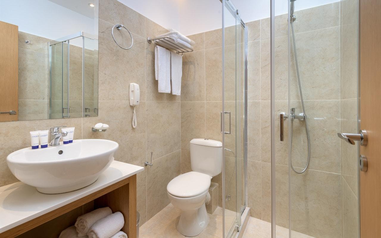 Family-1-Bathroom-min