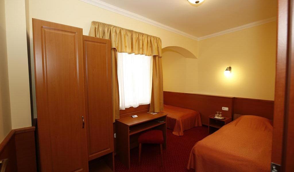 Family Room with Balcony 3-min