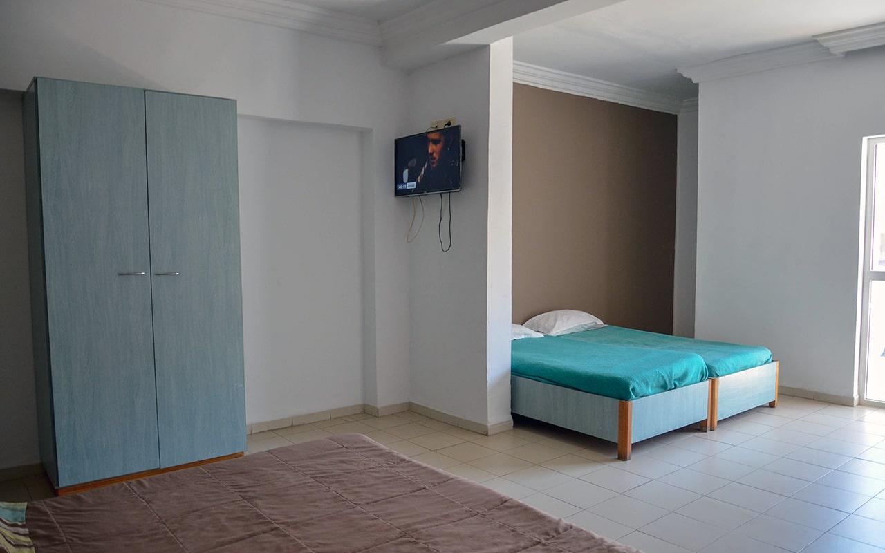Family Room_03-min