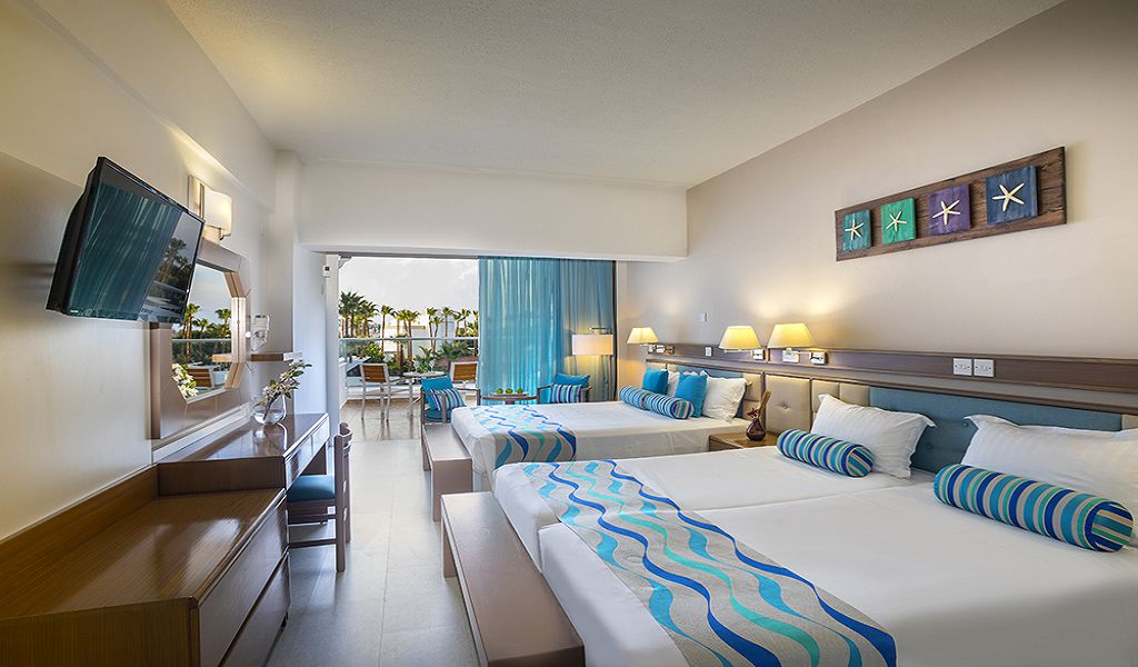 Family-Side-Sea-View-room-5